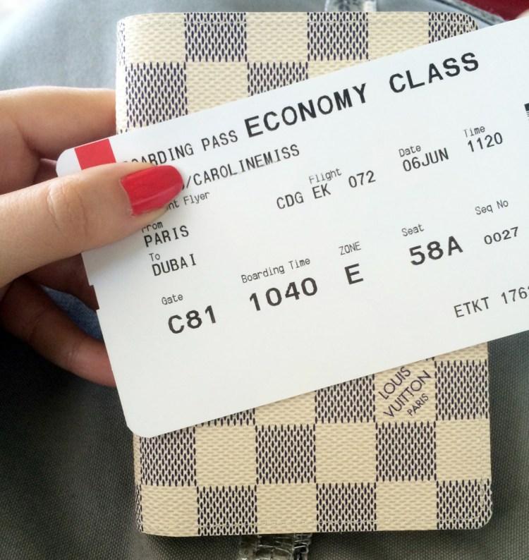 La jolie couverture de passeport Louis Vuitton Damier Azuravis blog