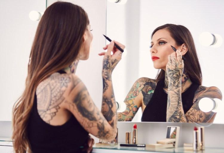 Fanny Maurer Graphik la collection maquillage Automne Hiver 2017 de Clarins avis blog dans mon sac de fille