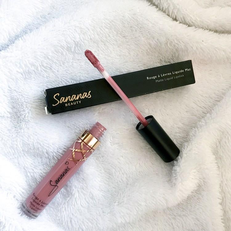 J'ai testé le lipstick Rosier Than Ever deSananas beauty blog swatch avis