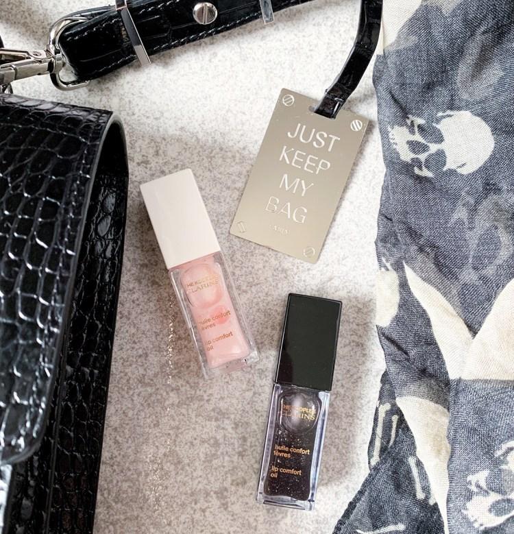 Mon avis sur les huiles confort des lèvres Clarins X The Kooples swatch blog beauté dans mon sac de fille