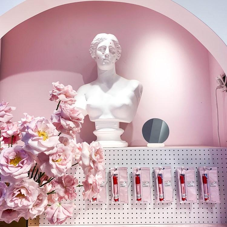 Glossier découverte de la boutique à New York et livraison en France avis blog
