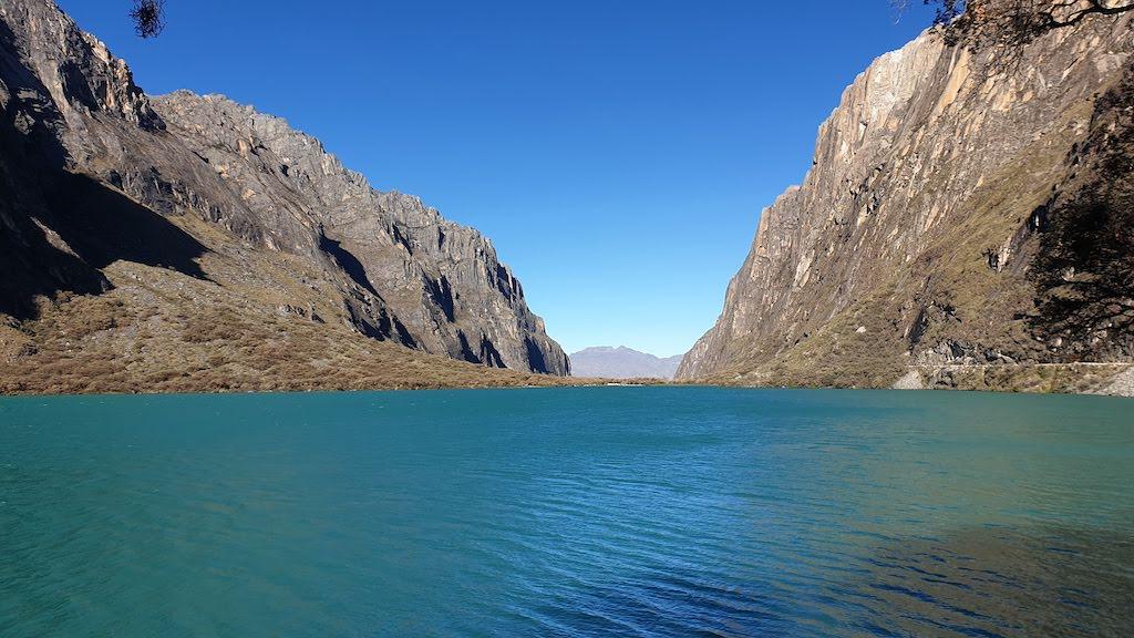 Lac femelle Laguna 69 sur la route depuis Huaraz