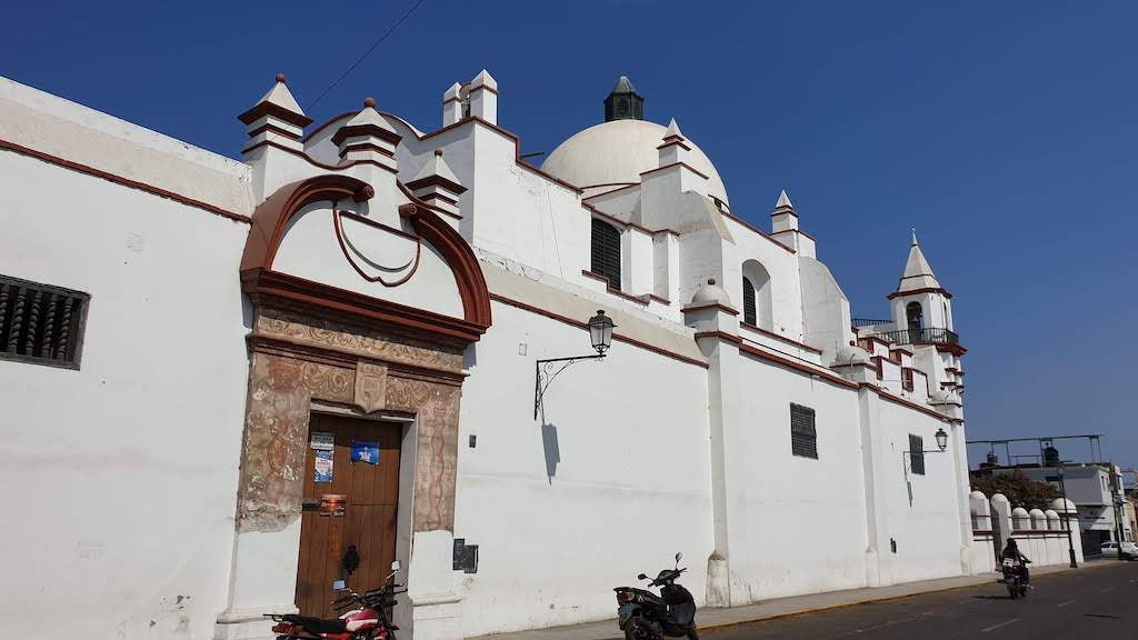 Iglesia del Carmen Trujillo