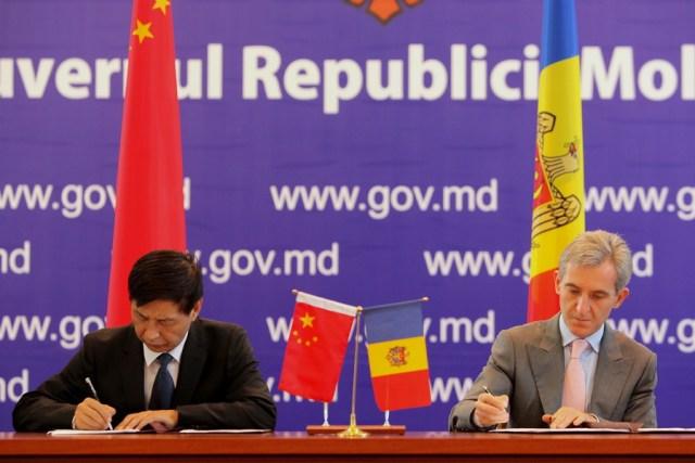 Premierul Iurie Leanca - Ambasadorul Tong Mingtao
