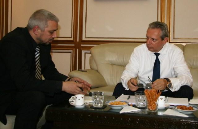 Interviu realizat cu Ambasadorul Viorel Isticioaia-Budura, 22 noiembrie 2013