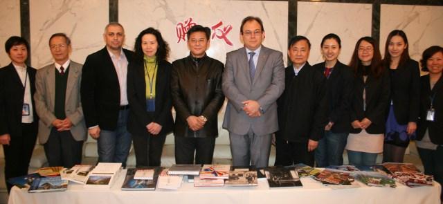 Donatie de carte Biblioteca din Shanghai, Consulul general Florin-Marius TACU 2