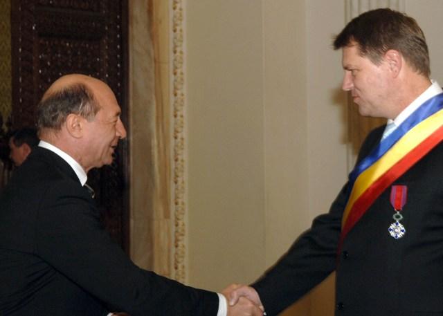 Primarul Klaus Iohannis decorat de Presedntele Traian Basescu pentru proiectul Capitala Cultutrala European 2007