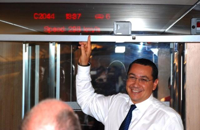 Premierul Victor Ponta, 298 km-ora cu trenul Tianjin - Beijing, 02.09.2014 A