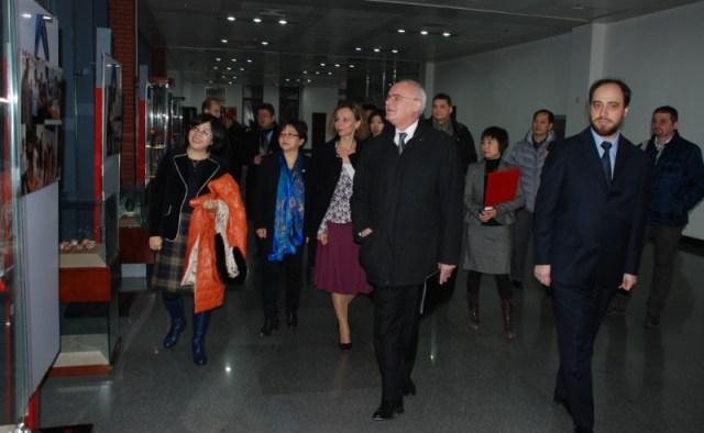 5 Reuniune universitara chino-romana, la Beijing