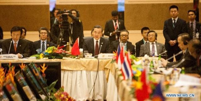 Wang Yi, ministrul chinez de  Externe, Kuala Lumpur 6 august 2015 2