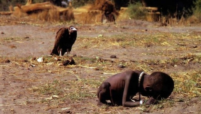 Kevin Carter, vulturul si copilul infometat, Sudan