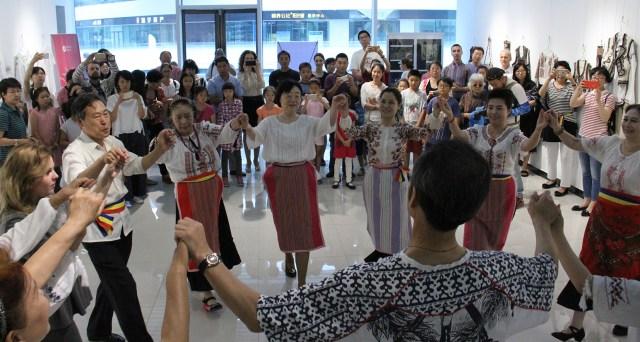 8 ICR Beijing - Dans romanesc la ICR Beijing
