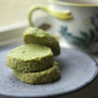 Matcha green tea almond shortbread cookies