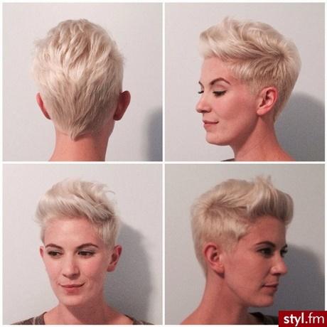 Krtkie Fryzury Damskie 2018 Blond