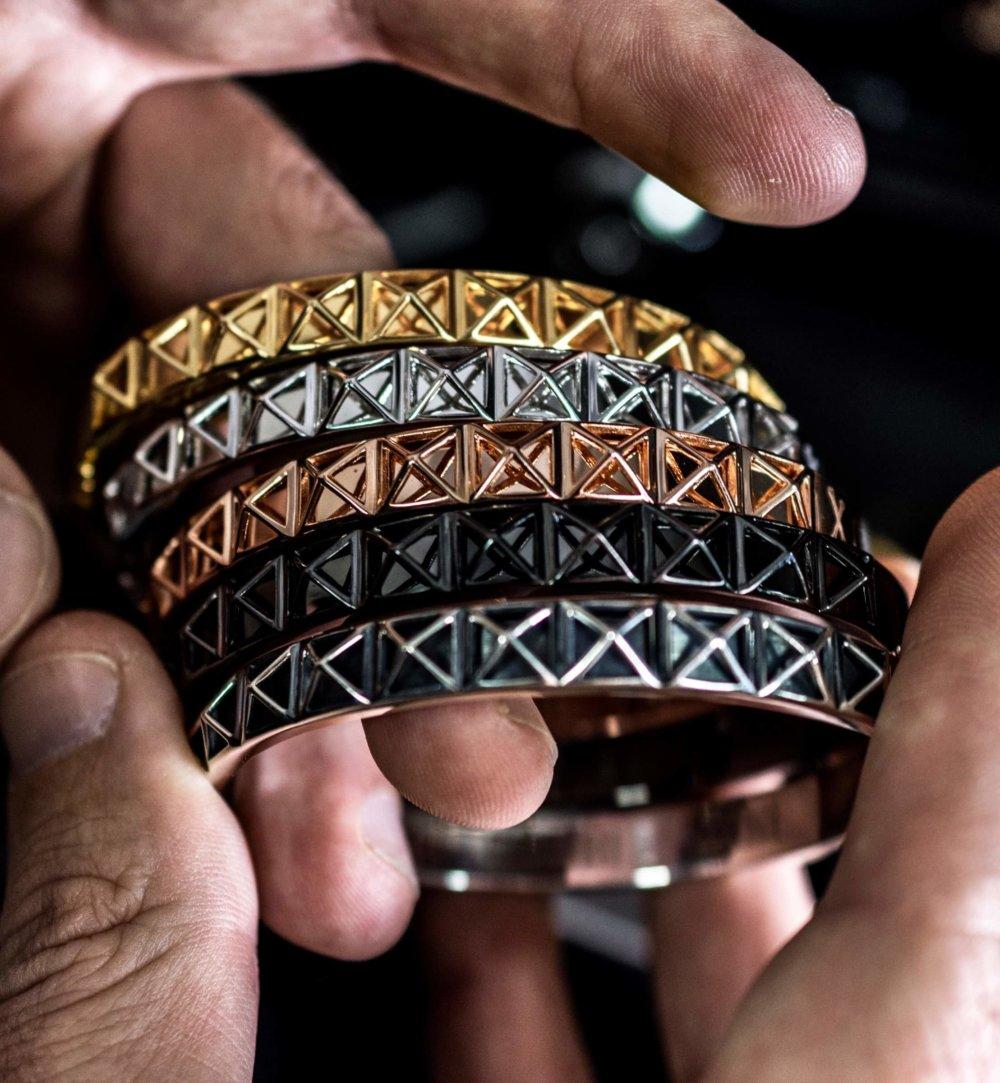 Antique Silver Skeleton Stud Bangle bracelet (Unisex)
