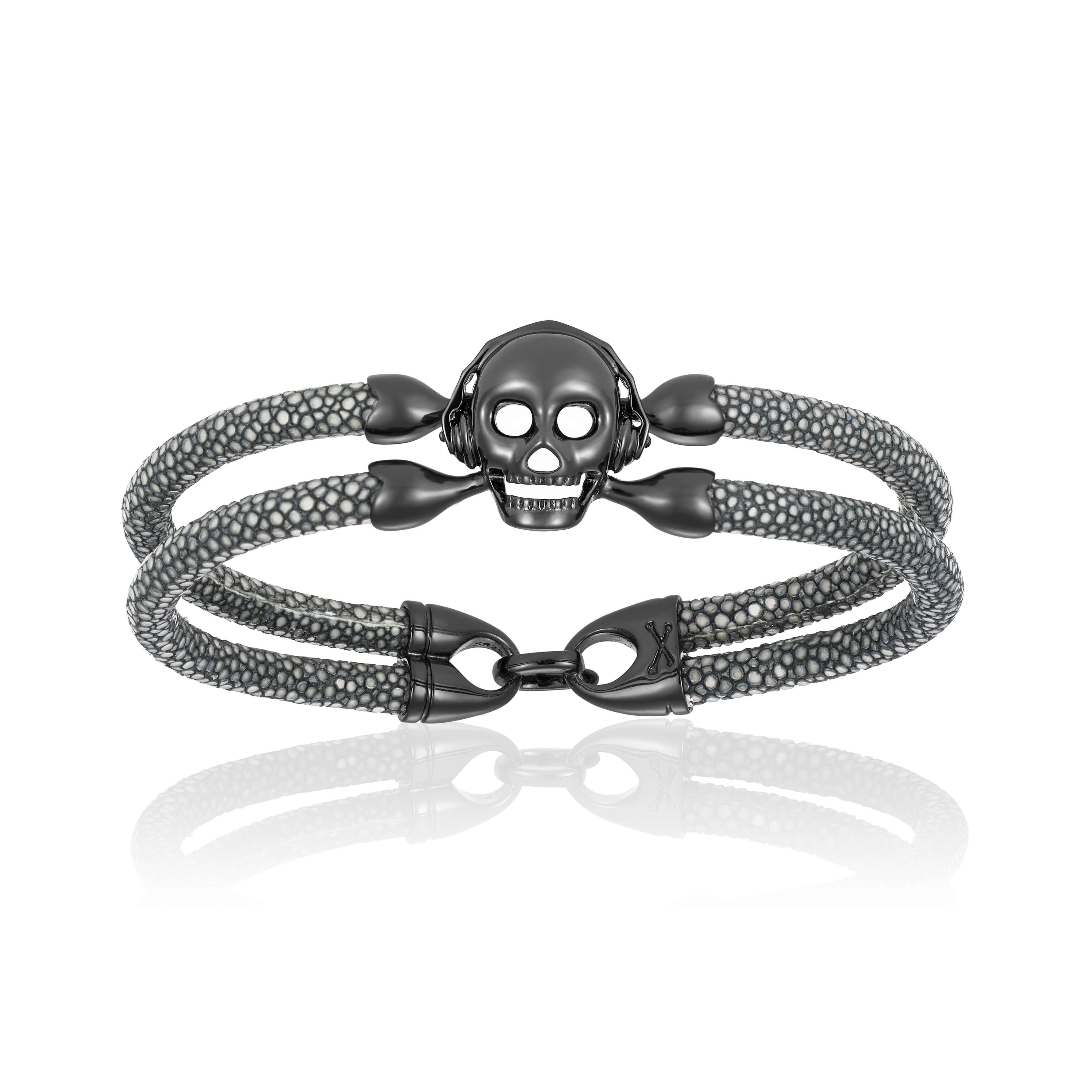 Gray stingray bracelet with black PVD skull (Unisex)