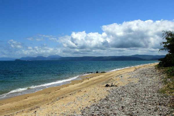 Langs de oostkust nabij Port Douglas in Australië