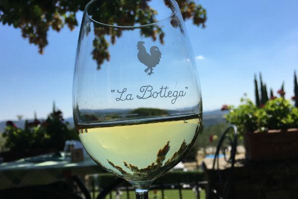 wijn-bij-bottega-restaurant-chianti-toscane-italie-roadtrip