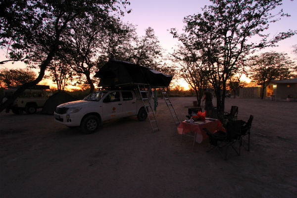 kampeerplek-halali-rest-camp-etosha-namibie
