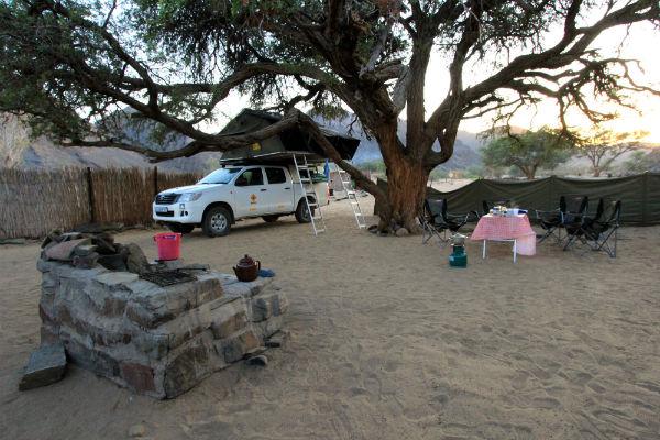 ugab-rhino-camp-namibie-kamperen daktent