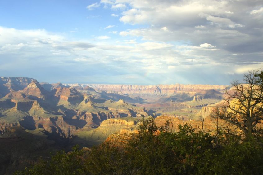 Met een helikopter vlieg je over Grand Canyon