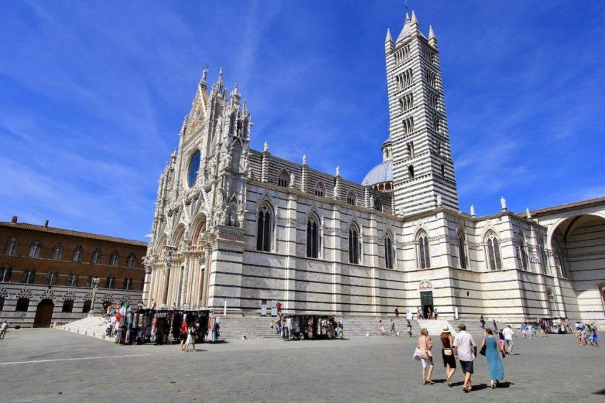 Siena verdient een bezoek tijdens jouw rondreis door Toscane en mag je niet missen op jouw route Toscane