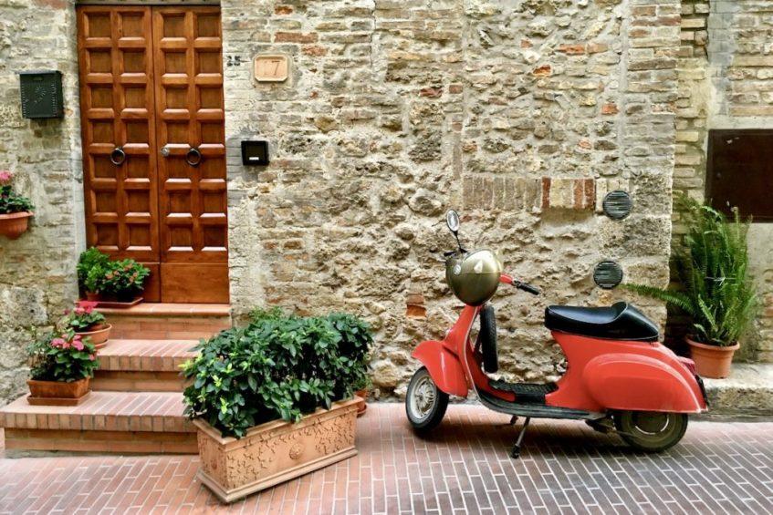 Volterra in Toscane hoort thuis in jouw roadtrip route door Italië