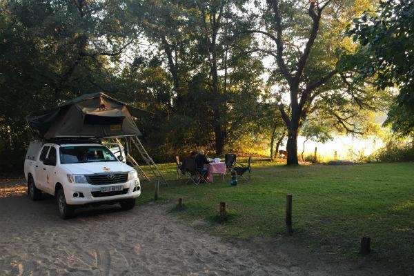 ngepi-camp-namibie-campsite