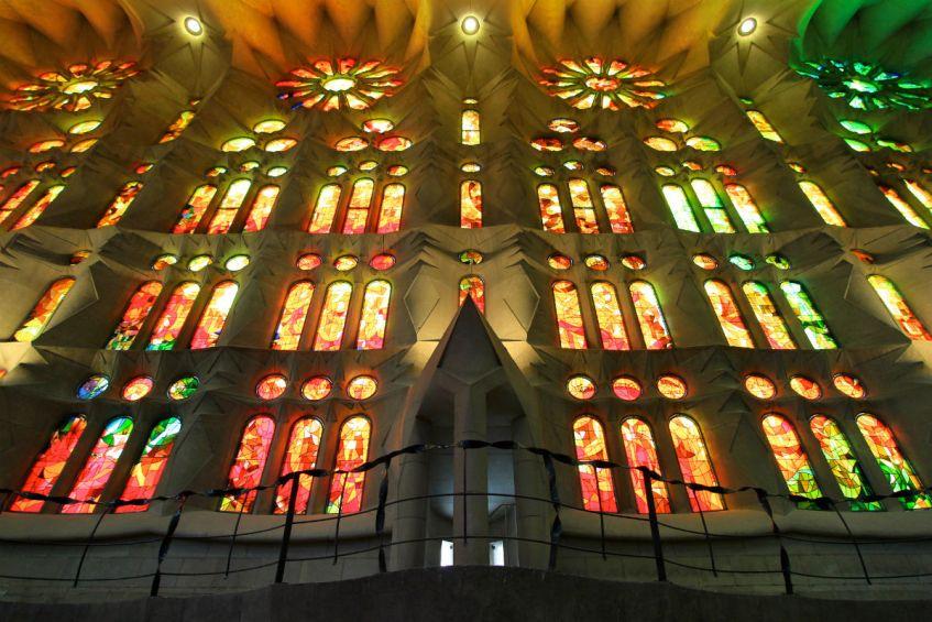 Prachtige lichtinval Sagrada Familia Gaudi meesterwerk Barcelona Spanje