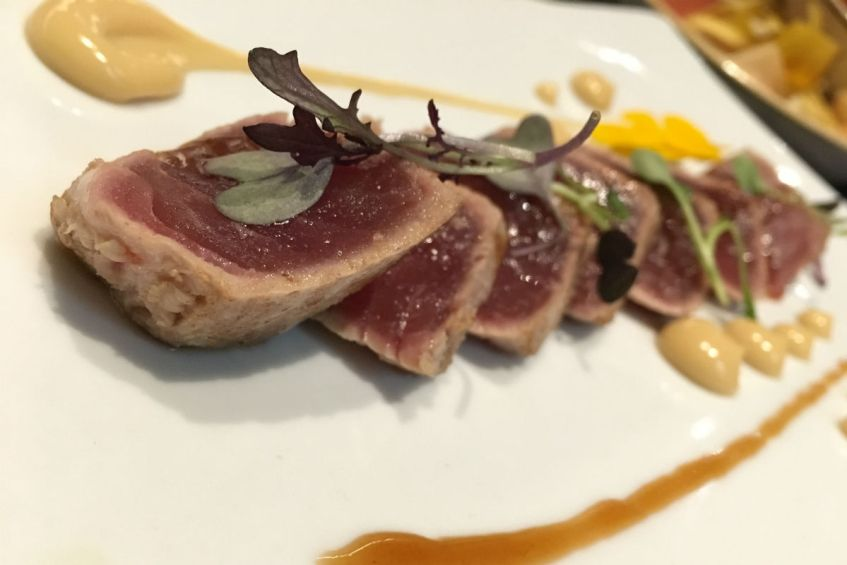 Tonijn bij Napa Restaurant Barcelona in Spanje