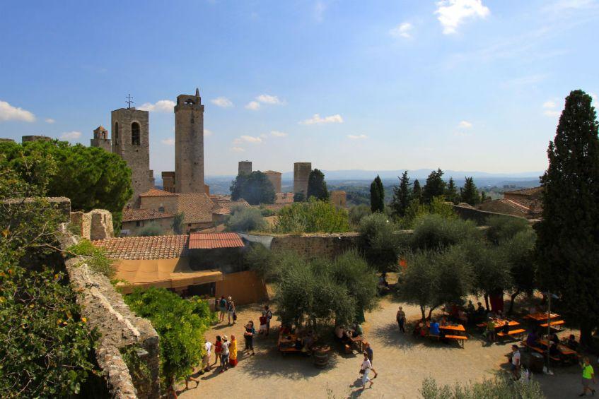 Hoeveel torens tel jij in het Middeleeuwse San Gimignano in Toscane