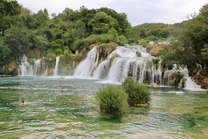 Het mooie groen van Krka Nartional Park rondreis dalmatie