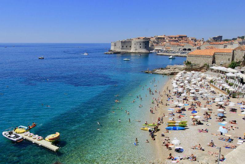 Bezoek in Dubrovnik het strand bezoeken