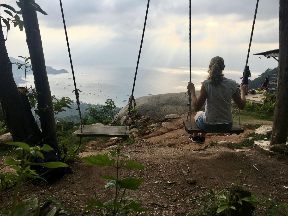 Schommelen bij het mango viewpoint Koh Tao