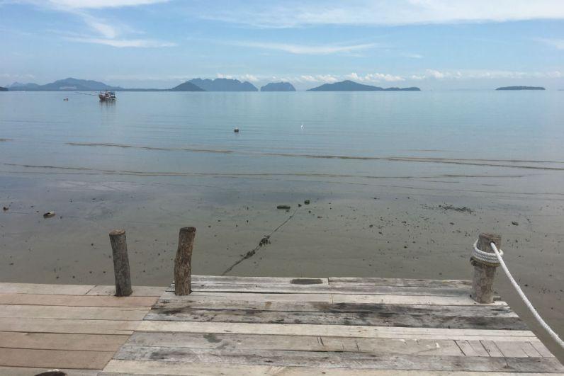 Uitzicht over het water bij Koh Lanta old town