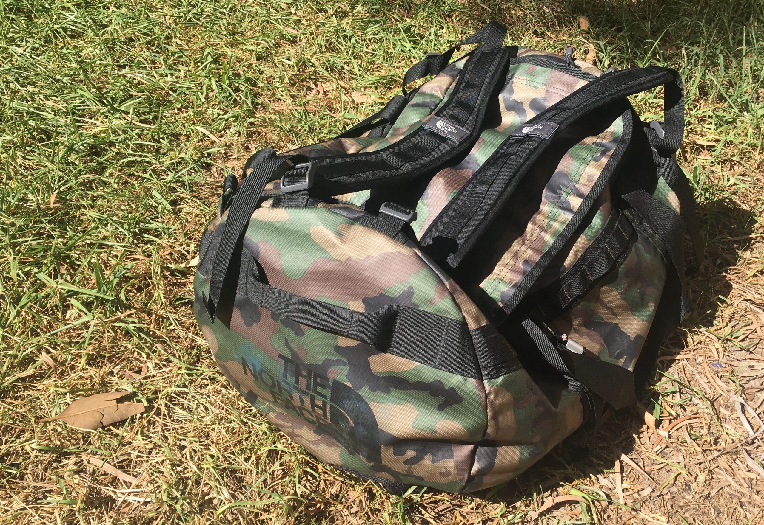 Een duffel bag hoort zeker op je inpaklijst namibie
