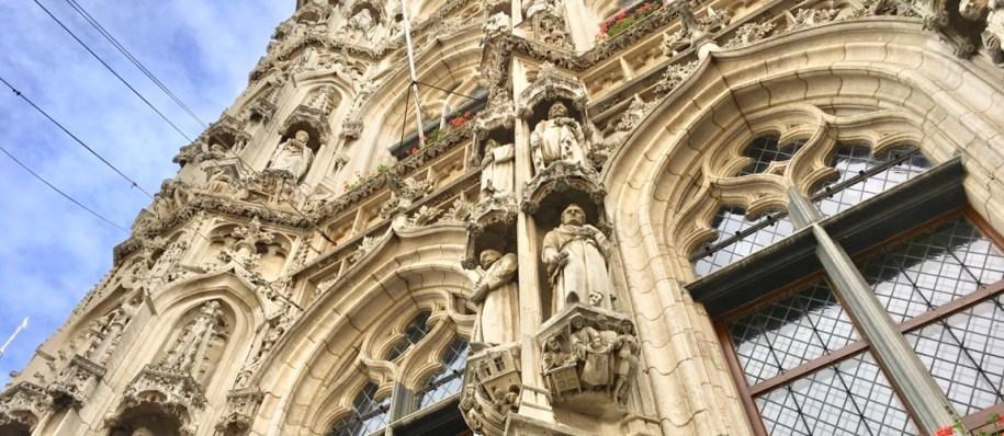 Het stadhuis in Leuven mag je zeker niet missen tijdens je weekendje Leuven