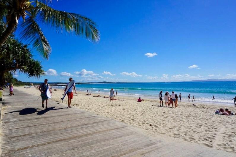 Maak een mooie roadtrip langs de oostkust van Australie bezoek zeker Noosa Beach