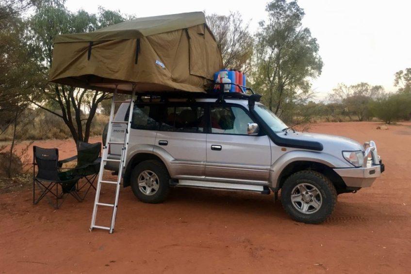 Met een 4x4 met daktent door de outback in Australie is een toffe ervaring