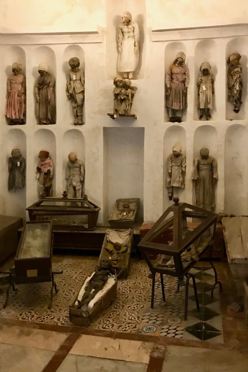 Palermo tips bezoek de catacomben