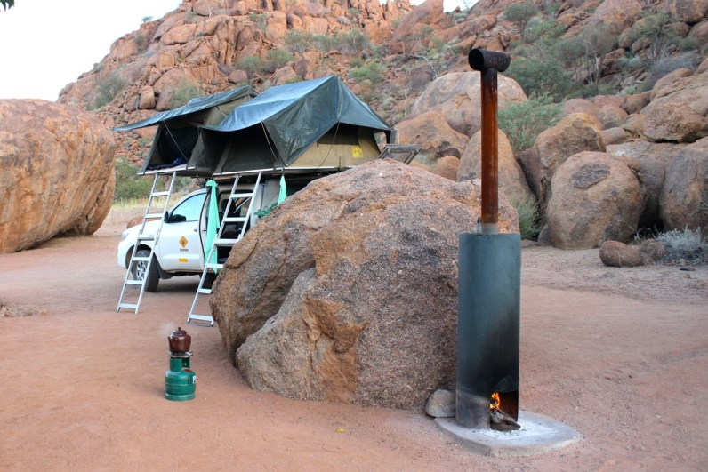 Mowani Mountain Camp is een super luxe camping in Namibië