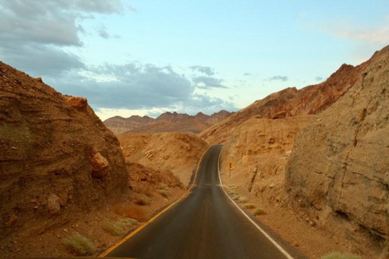 De Artist Drive is een van de mooiste bezienswaardigheden in Death Valley