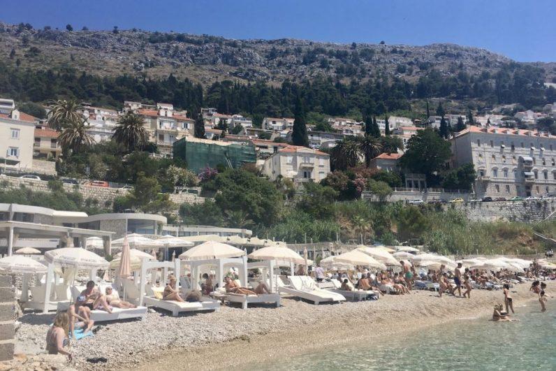 Ga naar het strand in Dubrovnik