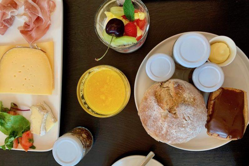 Bij Hotel Jerom serveren ze een verrukkelijk ontbijt