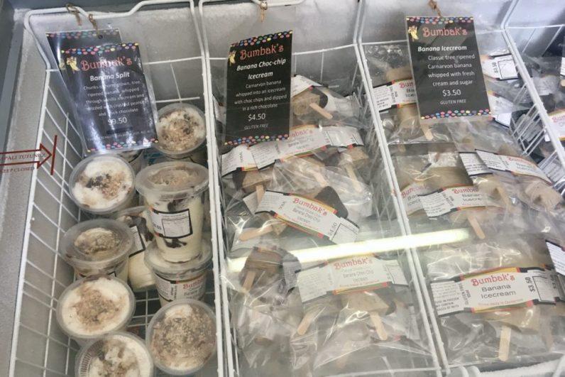 Eet een ijsje aan de Fruit Loop in Carnarvon tijdens je route West-Australie