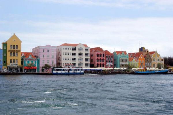 De gekleurde huisjes van Willemstad