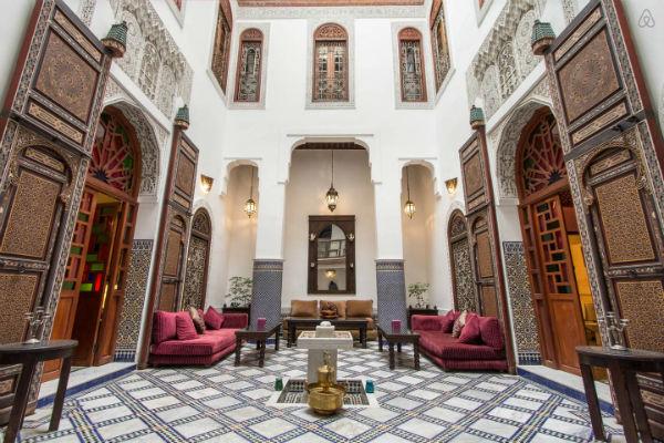 Onze slaapplek Riad Noujoum Medina (bron: Airbnb.nl)