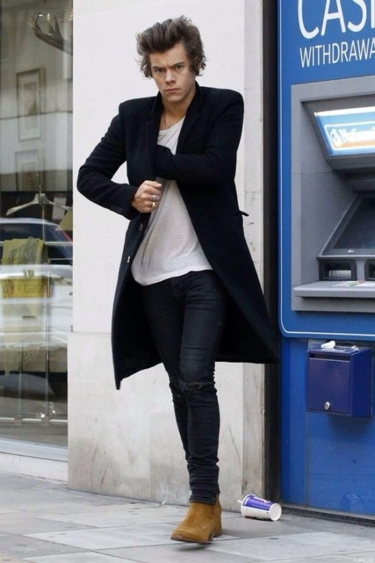 Harry Styles in Chelsea Boots