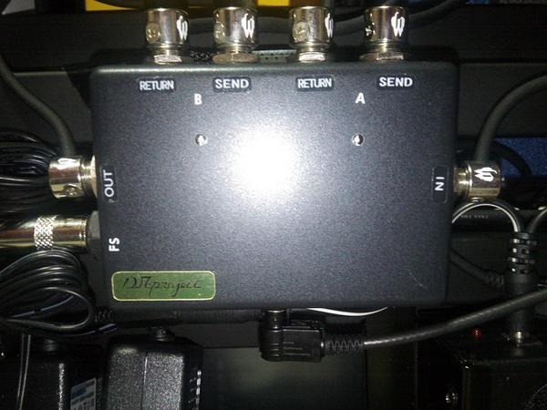 D.AB-Box エフェクターボード裏に設置
