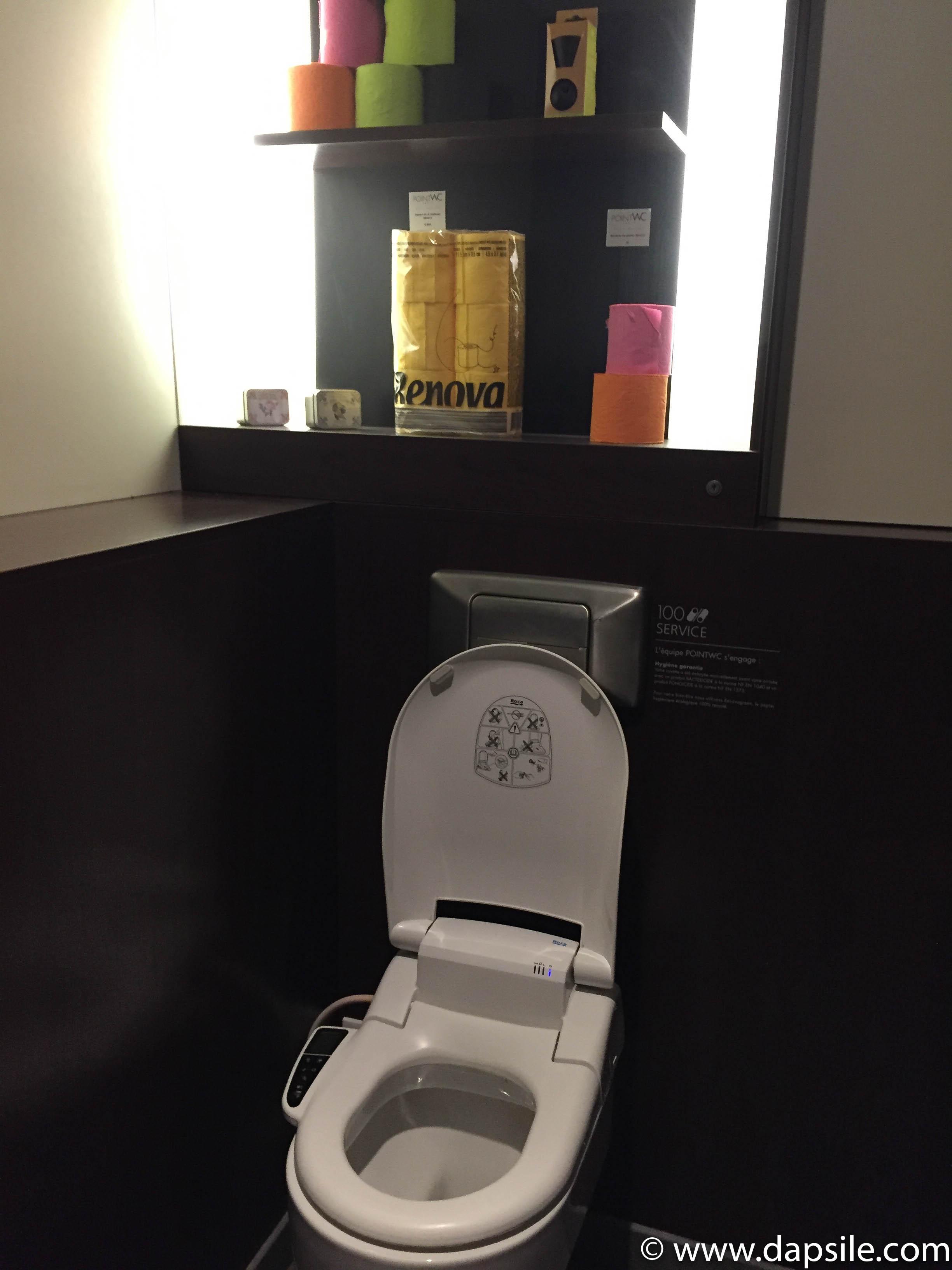 Point WC Paris Japanese Spa Private toilet